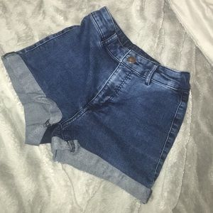 denim high wasted shorts